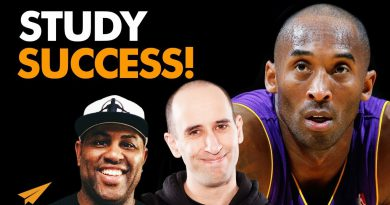 SURROUND Yourself With SUCCESSFUL People | Kobe Bryant | #Entspresso