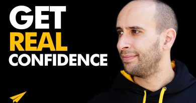 How to Develop REAL and LASTING CONFIDENCE! | Evan Carmichael ADVICE | #MentorMeEvan