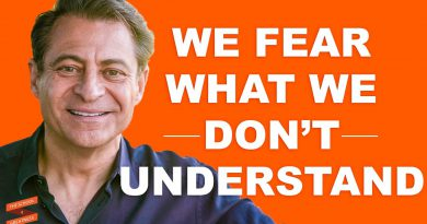Peter Diamandis: The Future Doesn't Have to Be Scary | with Lewis Howes