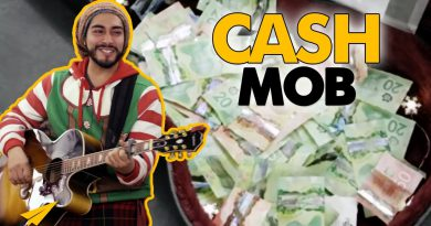 AMAZING - Flash Mob / Cash Mob - Hundreds of Dollars in Seconds!