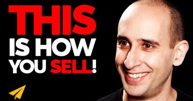 How to ACTUALLY SELL Your PRODUCT! | Evan Carmichael ADVICE | #MentorMeEvan