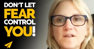 How to NOT LET FEAR Stop You From Acting! | Mel Robbins | #Entspresso
