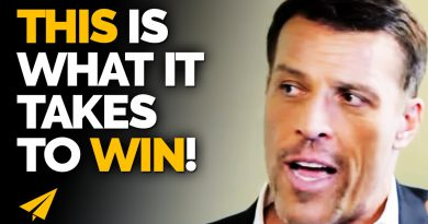 The One UNIVERSAL RULE Everyone in FINANCE KNOW About! | Tony Robbins | Top 10 Rules