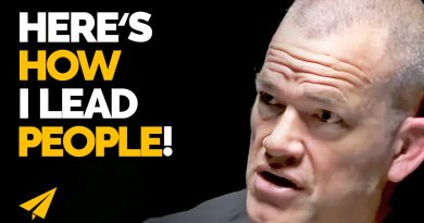 How to TURN People Into GREAT LEADERS! | Jocko Willink | #Entspresso