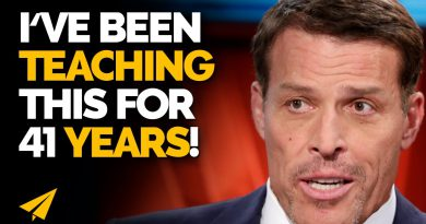 THIS One Simple BODY MOVE Will 10x Your LIFE! (TRY IT NOW!) | Tony Robbins | #Entspresso