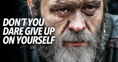 Don't you DARE GIVE UP on YOURSELF (Motivational Video)